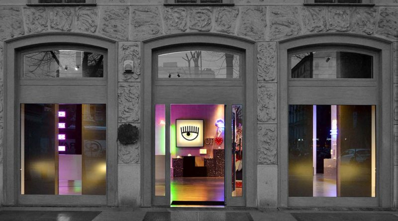 CHIARA FERRAGNI'nin yeni pop-up mağazası [Milano]