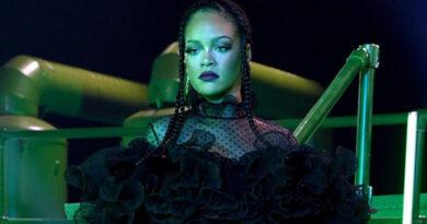 Modanın Yeni Kraliçesi Rihanna-nın Savage x Fenty Vol-2